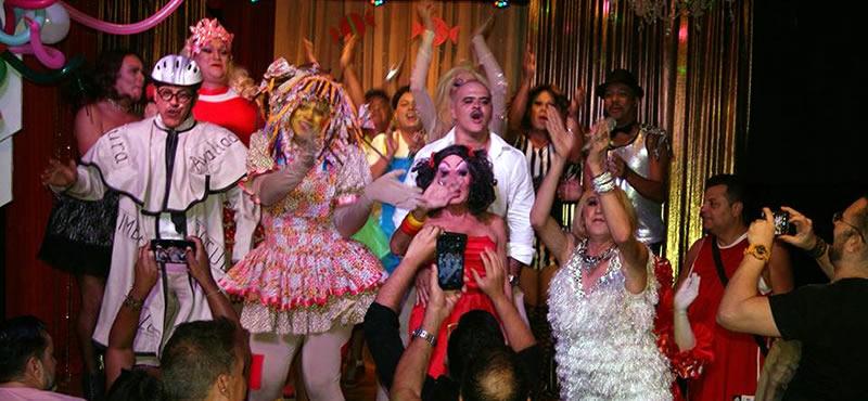 Turma OK gay bar Rio